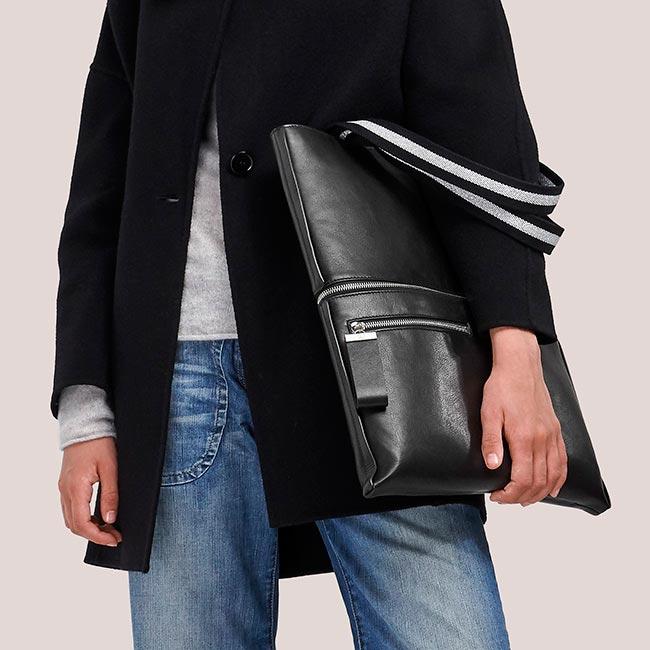 totebag-pochette-cuir-lisse-noir-impeccable-karenvogt-4